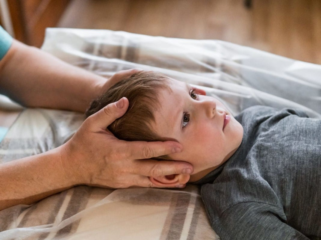 11860 Vista Del Sol, Ste. 128 Spinal Meningitis Can Affect the Spine: What to Know