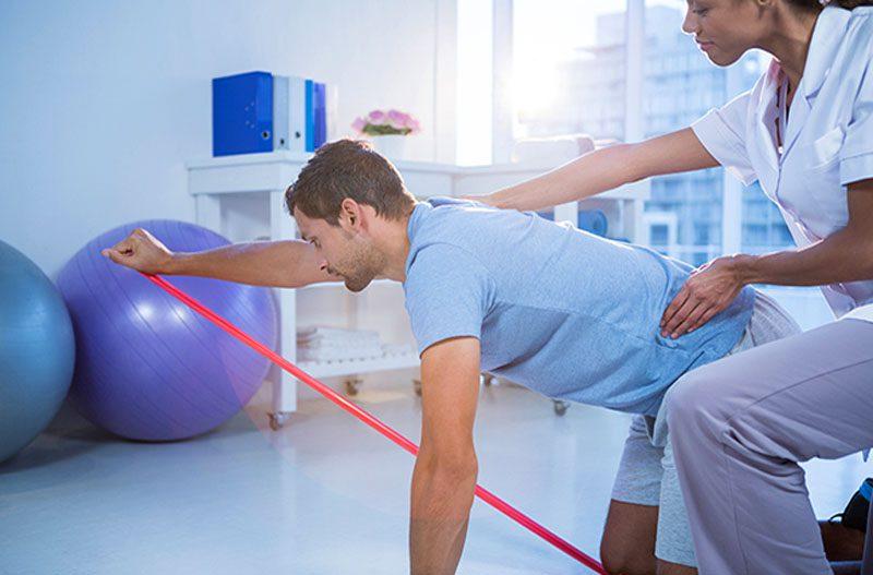 11860 Vista Del Sol, Ste. 128 Nenuleiskite fizinės terapijos nuo nugaros skausmų